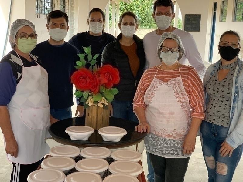 Dia do Voluntariado: ACIT entrega refeições do Lugar de Homem é na Cozinha